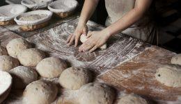 Panadero haciendo pan, Haricana