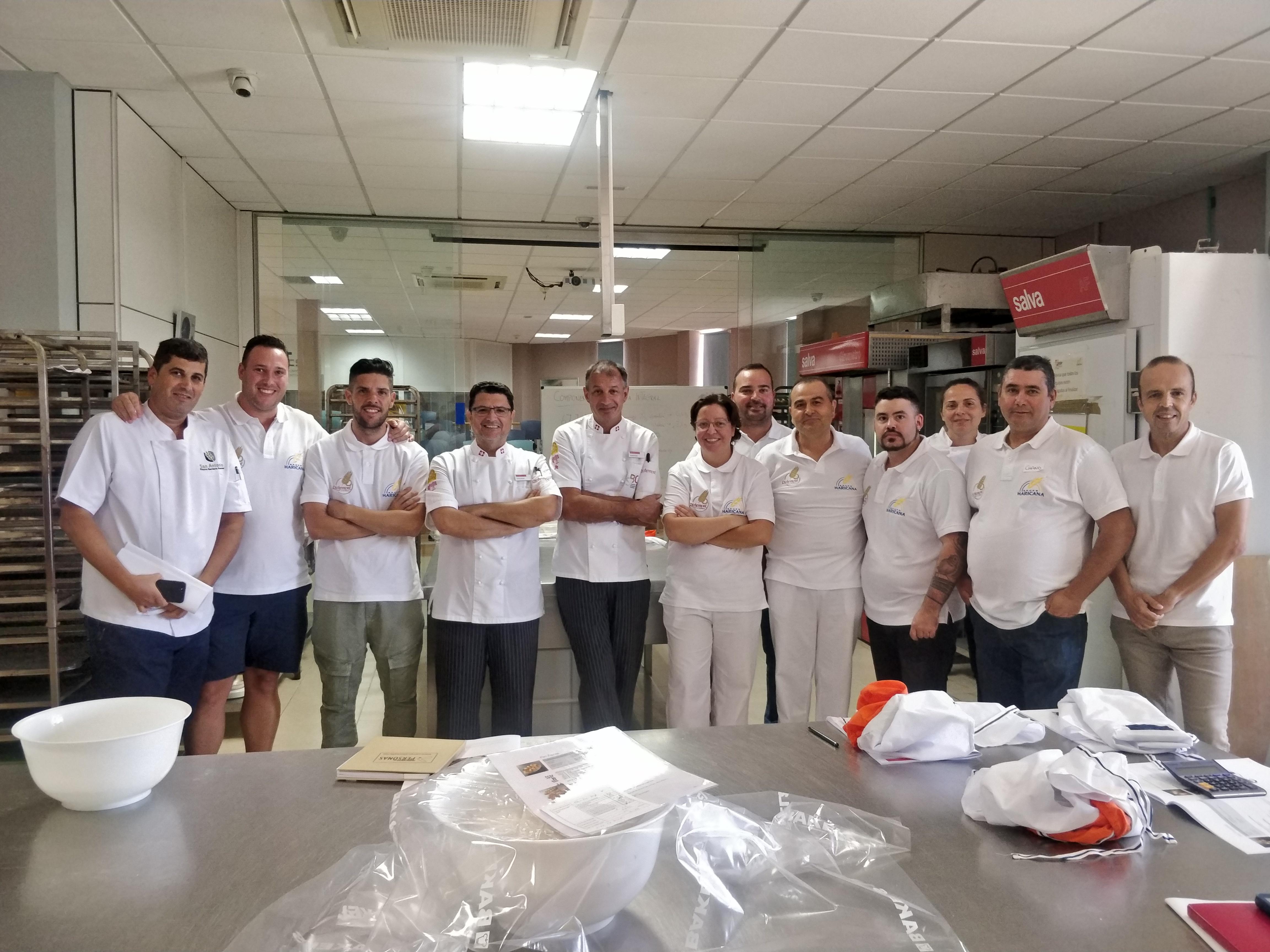 primera sesión del curso Experto Panadero Internacional, Grupo Haricanafeatured image